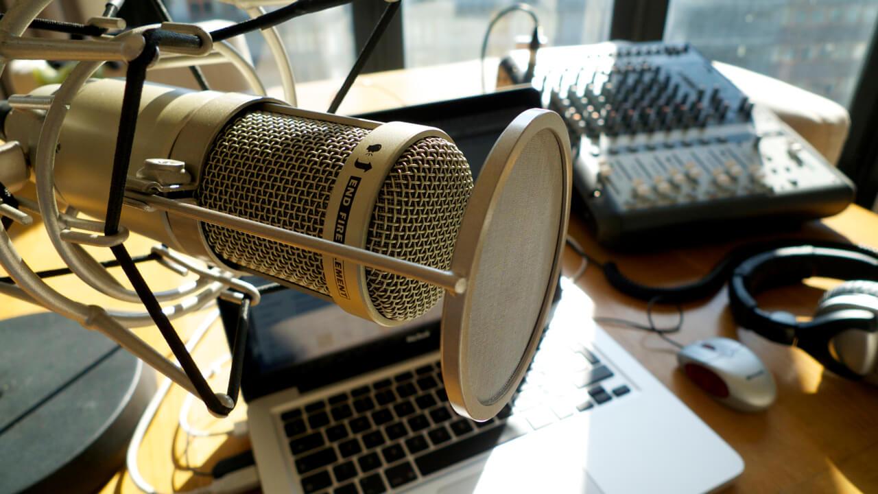 De 6 Beste podcaster for små bedrifter og internett entreprenører.